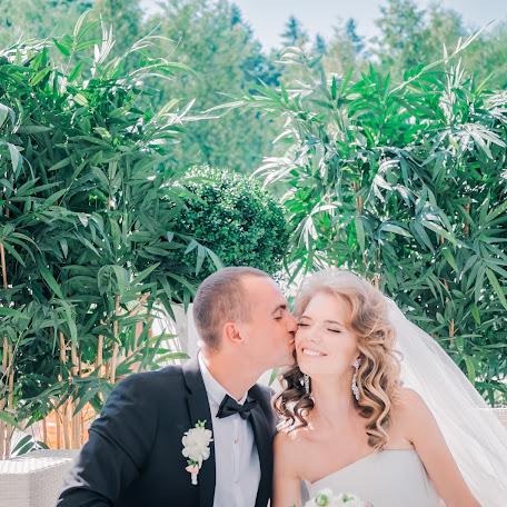 Wedding photographer Elena Lazhnevskaya (lenakalazhnevsk). Photo of 26.02.2016