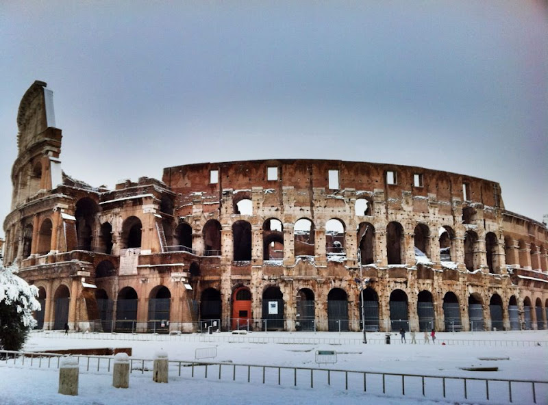 Photo: This is absolutely not an ordinary day in Rome....