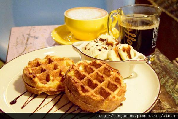 Color Roast cafe咖樂烘豆 飲料+鬆餅只要150元 東區不限時超平價咖啡店