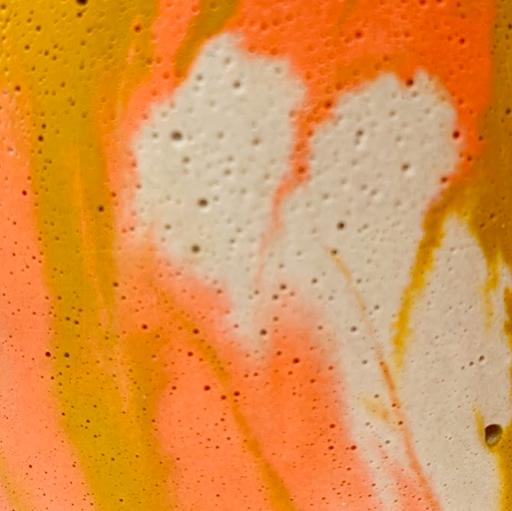 béton marbré coloris orange et jaune