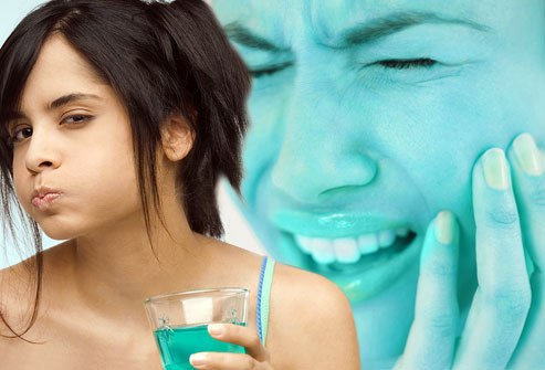 Sử dụng nước súc miệng giúp cải thiện tình trạng bệnh răng miệng