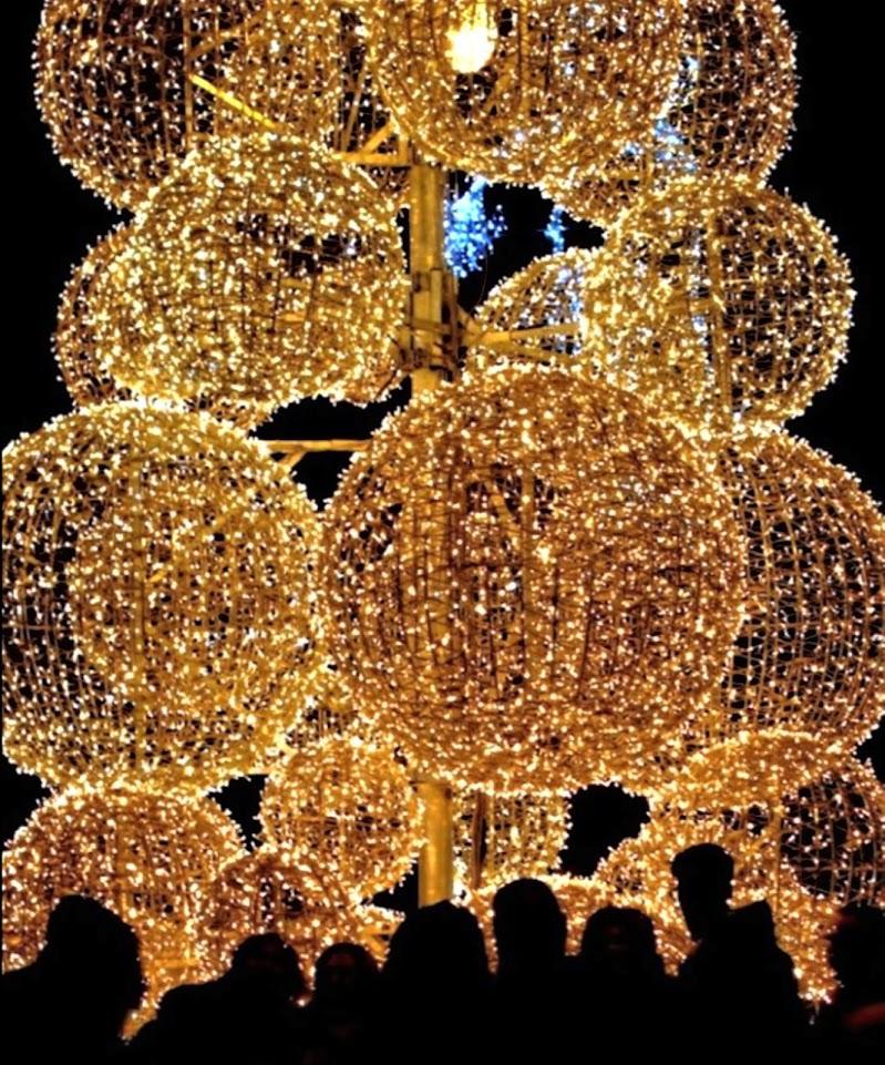 Un Natale quasi al buio... di francesco_abate