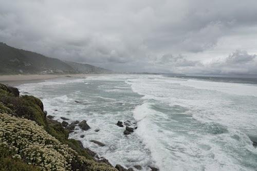 Aufgepeitschter Indischer Ozean in Wilderness