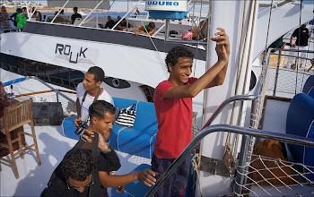 Photo: Прогулка на яхте. Египтяне - люди веселые. И большие любители чаевых -http://luchecon.livejournal.com/567961.html