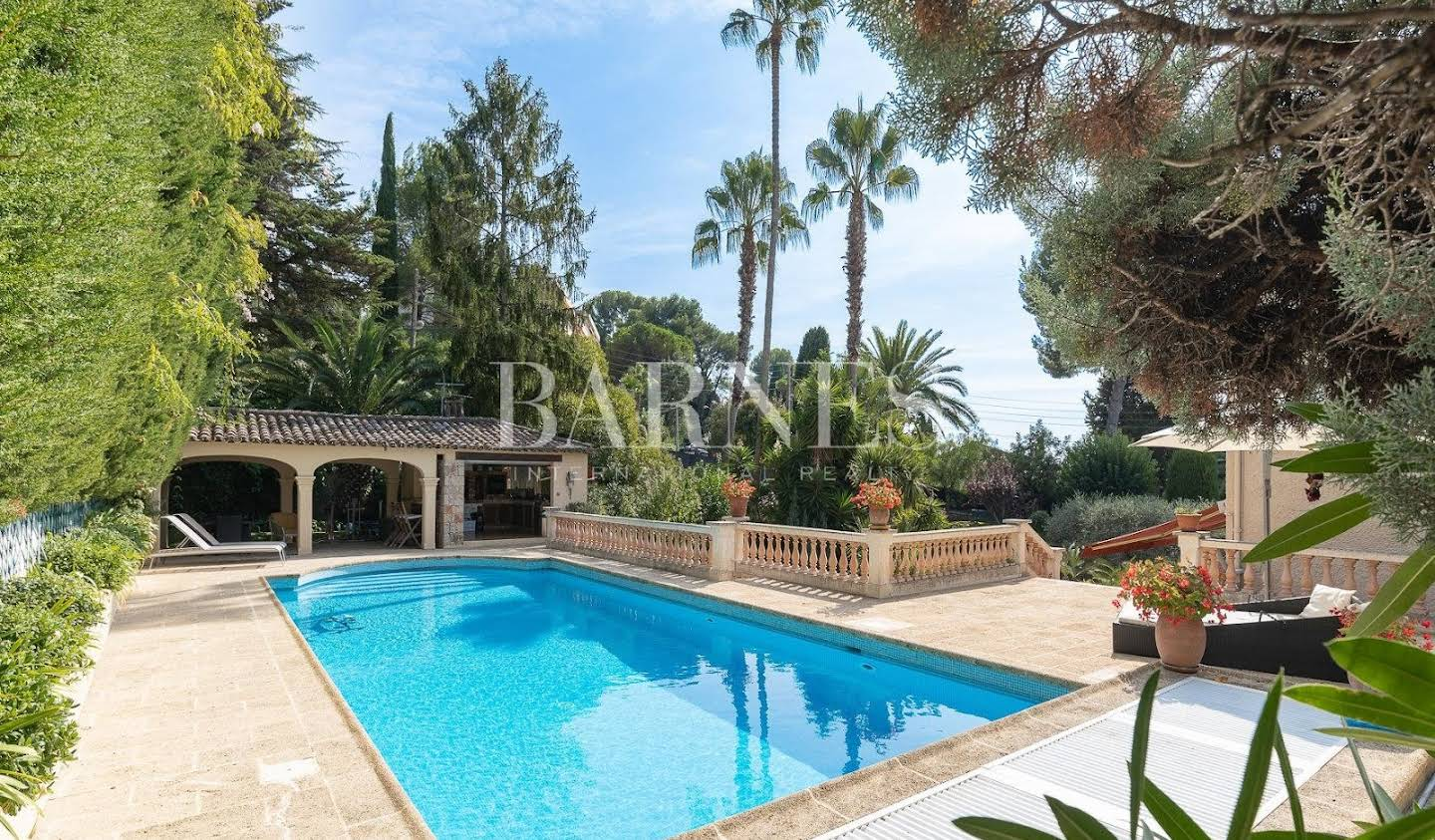 House with pool and terrace Le Cannet