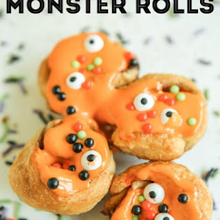 Mini Halloween Cinnamon Rolls