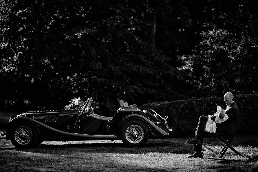 Wedding photographer Marius Barbulescu (mariusbarbulesc). Photo of 01.03.2017