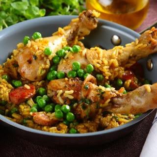 Goldene Paella mit Huhn