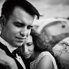 Wedding photographer Adam Szczepaniak (joannaplusadam). Photo of 04.06.2017