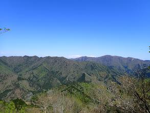 左から烏帽子岳・白倉岳・武奈ヶ嶽など