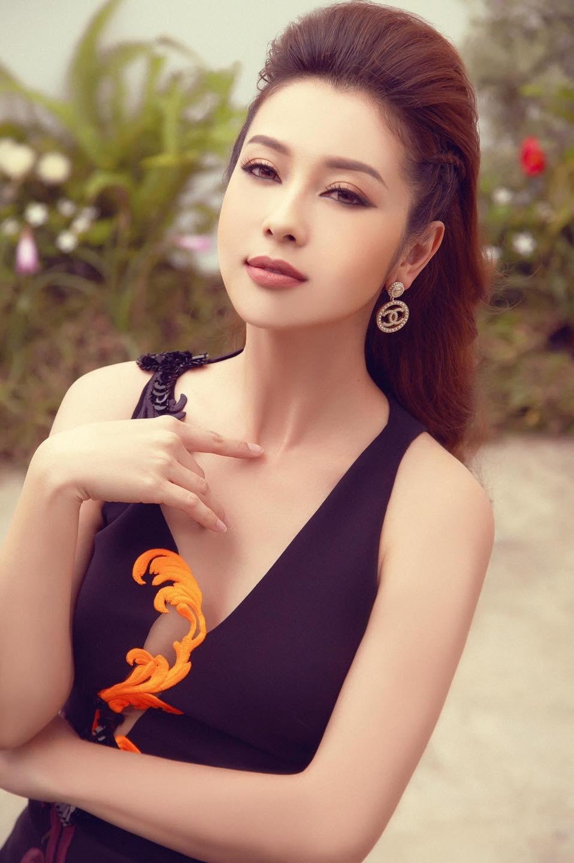 Hoa hậu Jennifer Phạm chia sẻ 4 tips phòng ngừa nám hiệu quả tại nhà - Ảnh 1