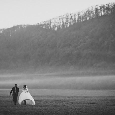 Wedding photographer Yanina Popovich (YanaKadr). Photo of 17.11.2017