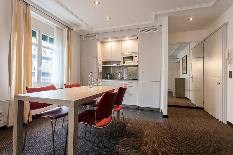 Basic kitchenette at EMA House Serviced Apartments, Beckenhofstrasse 22 - Unterstrass