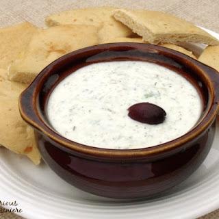Tzatziki (Greek Cucumber Yogurt Dip) Recipe