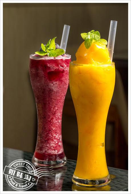 高雄貝隆餐廳芒果冰沙 / 巨峰葡萄冰沙