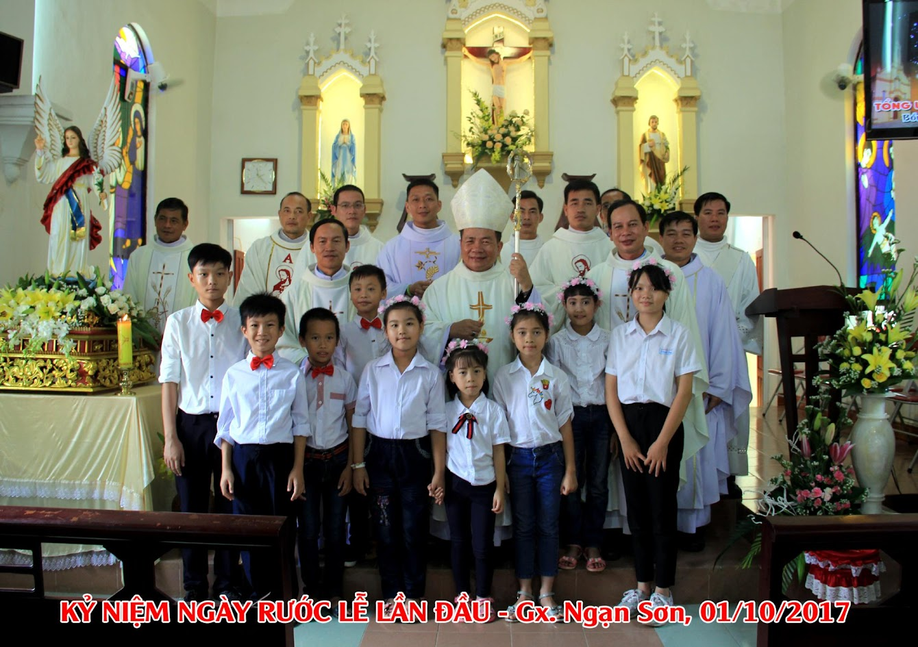Giáo xứ Ngạn Sơn: Thánh lễ Bổn mạng và Làm phép Nhà mới - Ảnh minh hoạ 25
