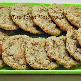 Crisp Oat Pecan Cookies Recipe