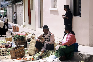 Photo: Otavalo, targ / Market day