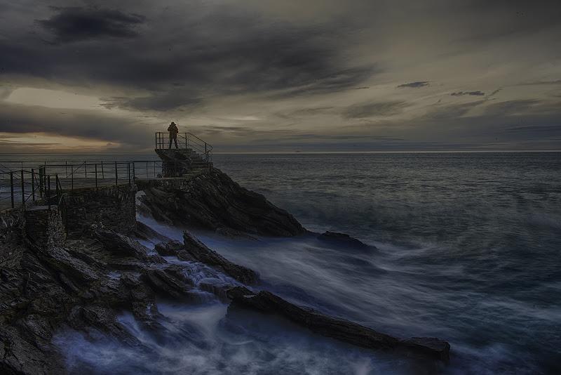 L'infinità del mare e la piccolezza dell'uomo di Gianva