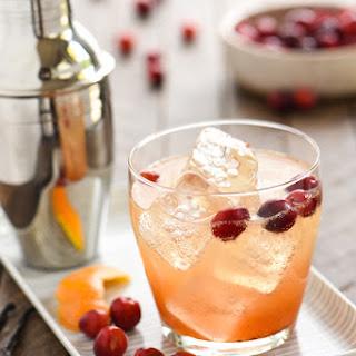 Cranberry Vanilla Gin Spritzer.