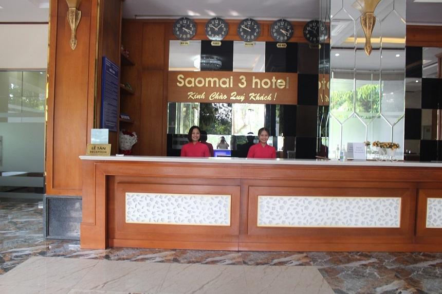 Quầy tiếp đón khách du lịch của khách sạn Sao Mai