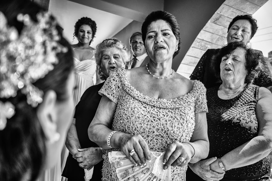 Wedding photographer Elena Haralabaki (elenaharalabaki). Photo of 14.04.2020