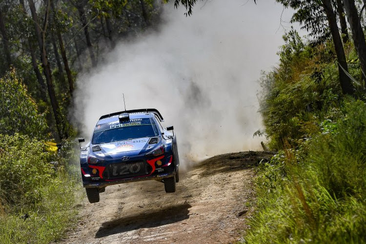 Neuville prend la tête du Rallye de Corse !