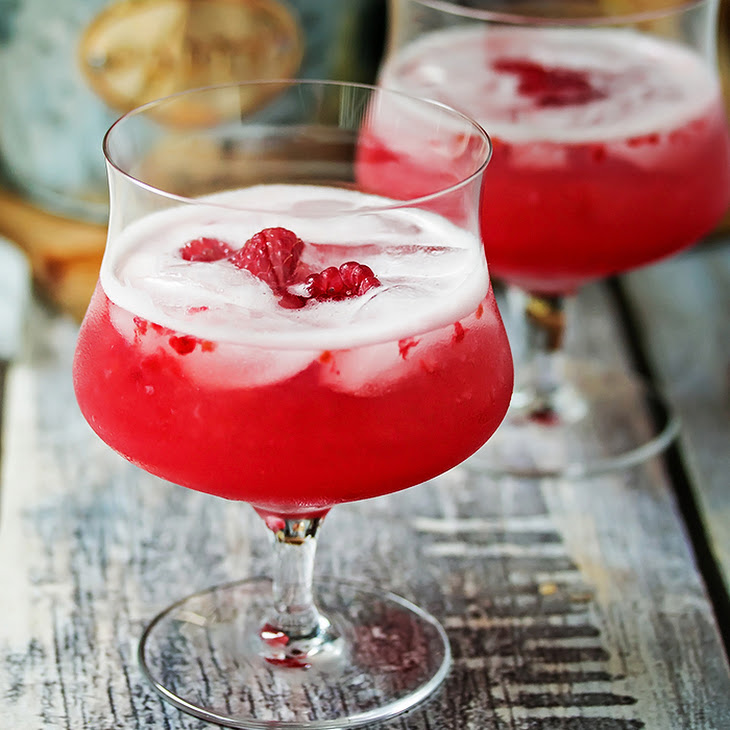 Raspberry & Limoncello Vodka Sour Recipe