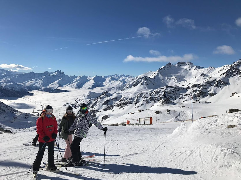 Empty ski slopes in Les Arcs, march and april ski holidays