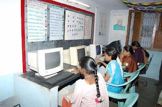 Photo: Young girls at the Rural Community Technology Centre-Yanamalai-Othakadai