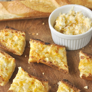 Garlic Cheesy Bread & Giveaway