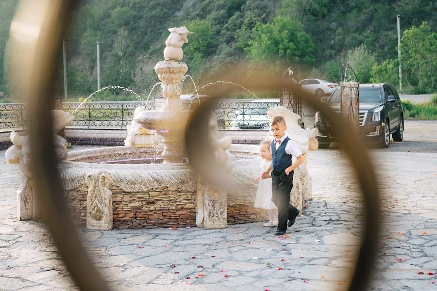 Wedding photographer Kseniya Proskura (kseniaproskura). Photo of 09.03.2019