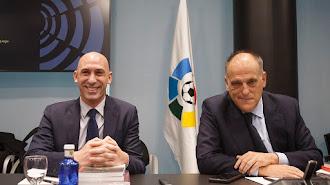 Luis Rubiales y Javier Tebas tienen que llegar a un acuerdo.