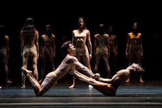 Photo: WIEN/ Staatsballett: LE PAVILLON D'ARMIDE / LE SACRE von John Neumeier. Premiere 19.2.2017. Sacre. Peci, Costa. Copyright: Wiener Staatsballett / Ashley Taylor