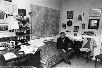 Photo: ВПН в кабинете в квартире на ул. рю Лабрюйерн, начало 1976. Фотография Боллингер