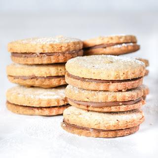 Hazelnut Shortbread Cookies with Nutella Filling Recipe