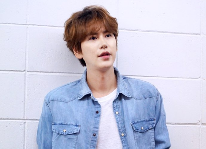 kyuhyun-pokes-fun-at-his-stupid-hair
