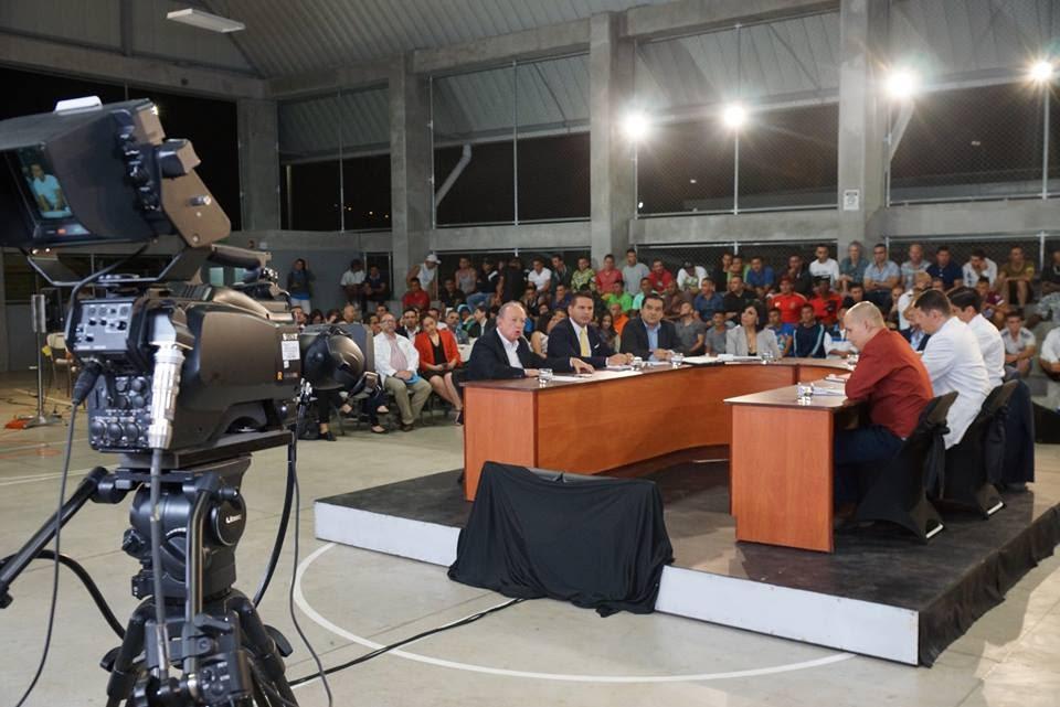 CANDIDATOS PRESIDENCIALES DEBATIERON EN LA UAI REINALDO VILLALOBOS
