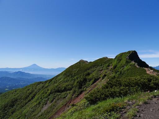 横岳と富士山