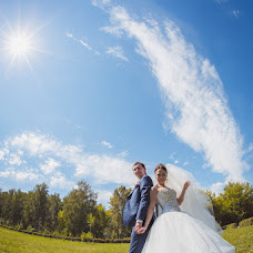 Wedding photographer Yaroslav Skuratov (Skuratov). Photo of 26.09.2014