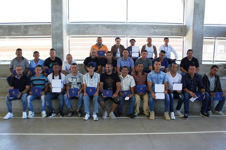 80 RESIDENTES DE LA UAI REINALDO VILLALOBOS SE GRADÚAN DE CURSOS DEL INA