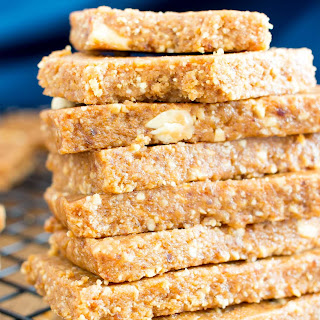 4 Ingredient No Bake Peanut Butter Cookie Energy Bars (Vegan, Gluten Free, Protein-Packed, Dairy Free, No Added Sugar).