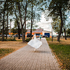 Wedding photographer Valentina Baturina (valentinalucky). Photo of 17.11.2015