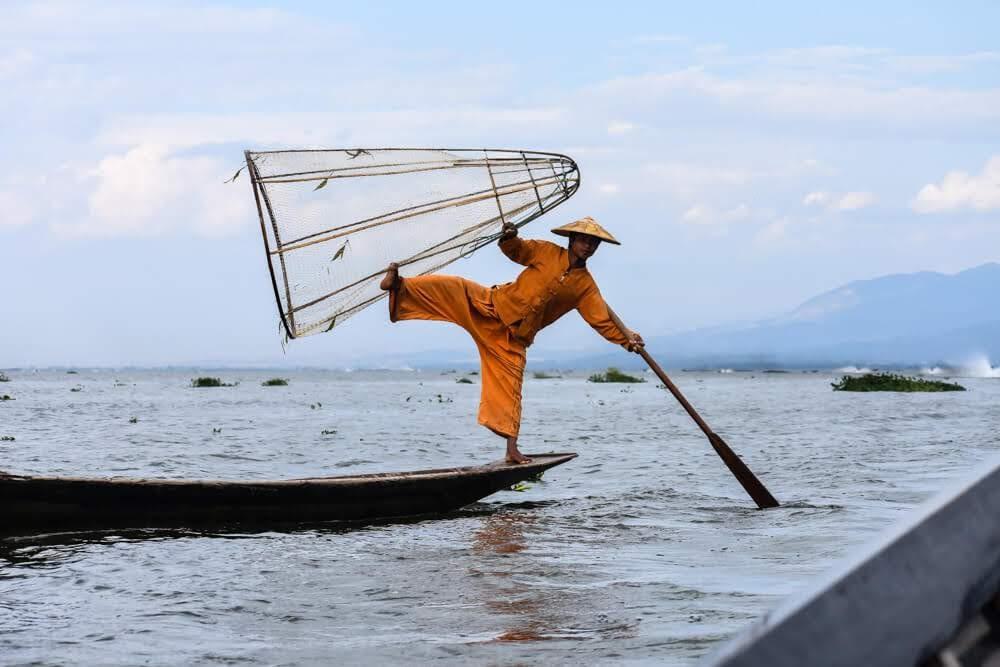 inle+lake+fisherman+posing+for+money