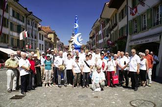 Photo: Gruppenbild in der Hauptgasse von Murten nach der Stadtführung
