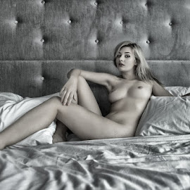 by Fahn Photography - Nudes & Boudoir Artistic Nude
