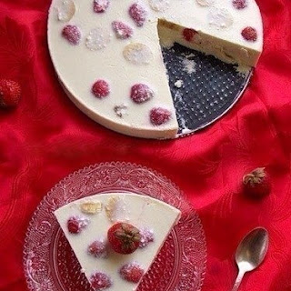 Dietary Cottage cheese and fruit dessert