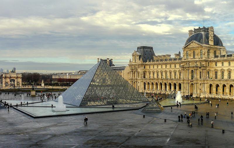 Le Louvre di VILLA MARIO