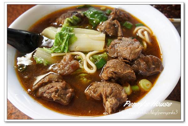 韓鄉村牛肉麵,實在令人懷念的滋味耶! 而且牛肉塊好多~~