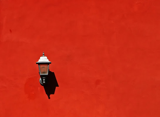 Lampada solitaria di romano